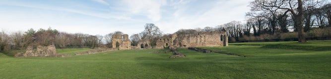De historische ruïnes van de Basingwerkabdij in Greenfield, dichtbij Holywell-Noord-Wales Royalty-vrije Stock Foto