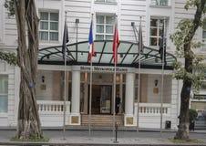 De historische Sofitel-Legende Metropole, een vijfsterrenluxehotel dat in 1901, Hanoi, Vietnam wordt geopend royalty-vrije stock fotografie