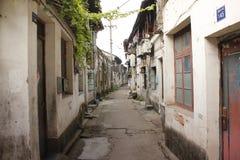 De historische straat en de traditionele smalle straat kruisen de oude stad van Xincheng (Jiaxing, Zhejiang) stock foto