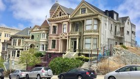 De historische Victoriaanse huizen van San Francisco op a Royalty-vrije Stock Foto's