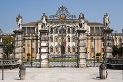 De historische villa van Contarini van de Villa Brenta van Piazzola sul stock afbeeldingen