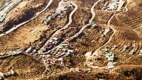 De historische Zijderoute met 32 haarspeldbochten, een windende weg van Tibet aan India gevestigd bij een hoogte rond 10.100 voet royalty-vrije stock foto's