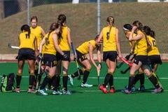De hockeymeisjes warmen Nationaal Kampioenschap op Stock Fotografie
