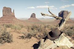 De hoed van de cowboy voor de Vallei van het Monument Stock Afbeeldingen