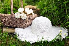 De hoed van de de picknicktuin van de weide royalty-vrije stock fotografie