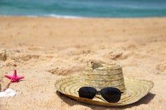 De hoed van de zeekust en van het stro Royalty-vrije Stock Foto