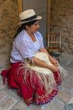 De Hoed van Panama het weven in Cuenca, Ecuador stock foto
