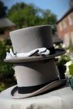 De hoeden en de handschoenen van het huwelijk Stock Foto's
