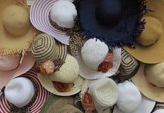 De hoeden van de zomer stock afbeelding