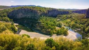 De hoefijzercanion van Ardeche-Rivier in het Nationale park van Ardeche, Frankrijk Royalty-vrije Stock Foto's