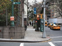 De Hoek van de de Stadsstraat van New York Stock Foto