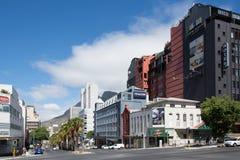 De hoek van de straten van Buitengracht en Wale-in de stad van Cape Town ` s Stock Fotografie