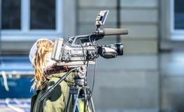 De hoge camera van de definitiebioskoop op een filmreeks royalty-vrije stock afbeeldingen