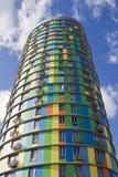 De hoge cilindrische bouw Stock Afbeeldingen