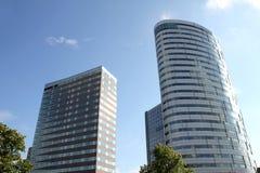De hoge gebouwen van het stijgingsbureau Stock Foto's