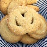 De hoge hoekmening van koekjes met suiker bestrooit Stock Fotografie