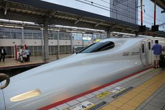 De hoge snelheidsultrasnelle trein van reeksshinkansen Stock Afbeeldingen