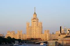 De hoge stijgingsbouw in Moskou Stock Afbeeldingen