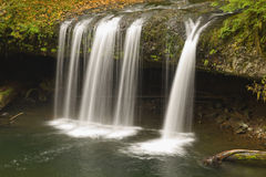 De hogere Butte Kreek valt Oregon stock fotografie