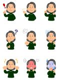 De hogere vrouw die een groene sweater, reeks dragen van verschillende negen stelt, hoger lichaam royalty-vrije illustratie