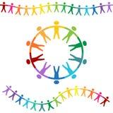 De Holding van regenboogmensen overhandigt Banners Stock Afbeeldingen