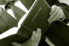 De holdingsboek van de advocaat Royalty-vrije Stock Fotografie