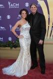 De Hollen van Brooke bij de 47ste Academie van Country muziek kent Aankomst, MGM Grand, Las Vegas, NV 04-01-12 toe Royalty-vrije Stock Foto's