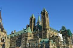 De hoofdbouw in Ottawa Royalty-vrije Stock Afbeeldingen