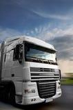 De hoofdhoogte van de vrachtwagen van de holding Stock Foto's