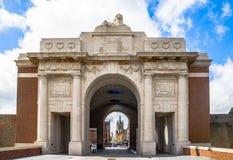 De hoofdingang van Ypresmenin - België stock foto's