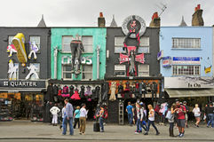 De hoofdstraat van Camden in Londen, het Verenigd Koninkrijk Stock Foto's