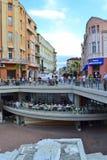 De hoofdstraat van de Plovdivstad stock foto