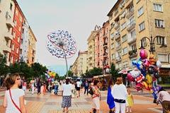 De hoofdstraatmening Bulgarije van Sofia Stock Afbeeldingen