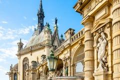 De hoofdvoorgevel van het Chantillykasteel royalty-vrije stock foto