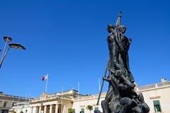 De hoofdwachtbouw en standbeeld, Valletta Stock Afbeelding