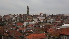De hoogste Mening van daken is de Oude Stad in Porto, Portugal stock footage