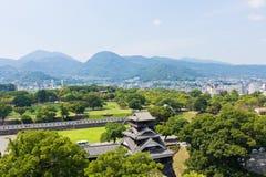 De hoogste mening van het Kumamotokasteel in Kumamoto Japan Stock Afbeelding