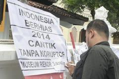 DE HOOPaffiche KIJKT MOOI ZONDER CORRUPTIE IN INDONESIË royalty-vrije stock foto's