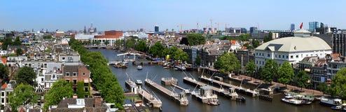 De horizon van Amsterdam stock afbeeldingen