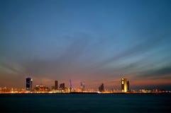 De horizon van Bahrein en de donkere wolk tijdens schemer Royalty-vrije Stock Afbeelding