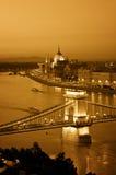 De horizon van Boedapest bij nacht. Royalty-vrije Stock Afbeeldingen