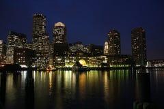 De Horizon van Boston bij nacht Stock Fotografie