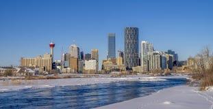 De horizon van Calgary, Boogrivier Royalty-vrije Stock Afbeeldingen