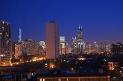 De Horizon van Chicago bij Nacht Stock Foto