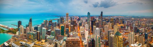 De Horizon van Chicago, Illinois, de V.S. bij Schemer royalty-vrije stock fotografie