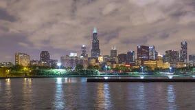 De Horizon van Chicago na de Zonsondergang stock videobeelden