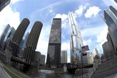 De Horizon van Chicago over de Rivier tijdens de Dag Stock Fotografie