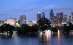 De Horizon van Dallas bij Nacht Royalty-vrije Stock Afbeelding