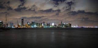 De horizon van de meningsMiami van de nacht stock fotografie