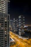 De horizon van de nachtstad in Jachthavendistrict, Doubai Royalty-vrije Stock Foto's